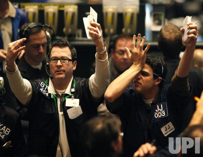 Traders in Chicago react to Fed rate announcement