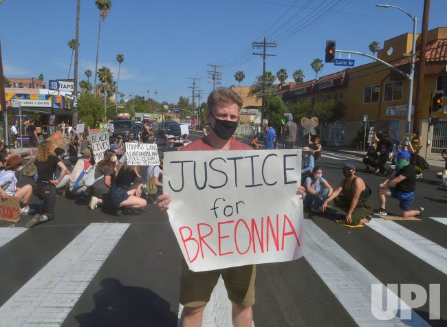 BLM Protesters Stop Traffic on Sunset Blvd. in L.A.