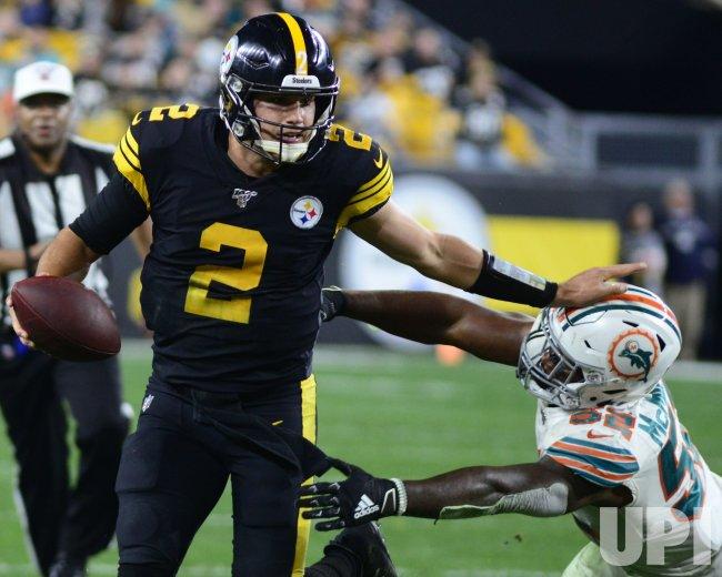 Steelers Quarterback Mason Rudolph Straight Arms Dolphins McMillan