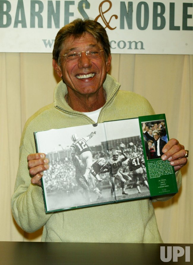 JOE NAMATH SIGNS AUTOBIOGRAPHY