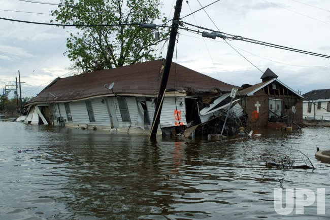 AFTERMATH OF HURRICANE KATRINA, LOUISIANA