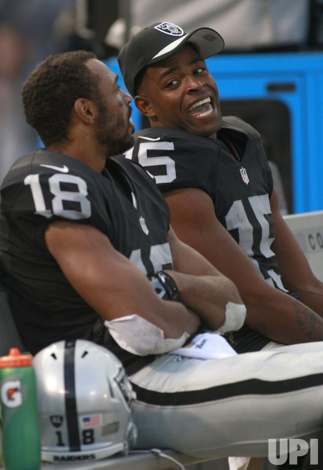 Raiders Holmes and Crabtree catch TD's in win over Jets