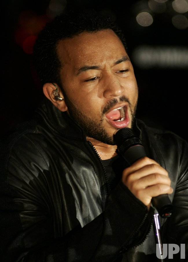 JOHN LEGEND PERFORMS IN CONCERT