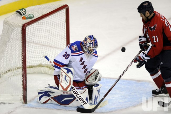 Lundqvist Makes a Save in Washington, DC