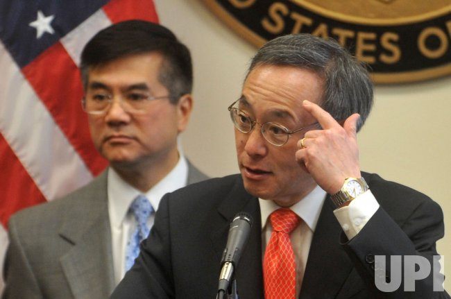 Energy Secretary Steven Chu speaks on green technology in Washington