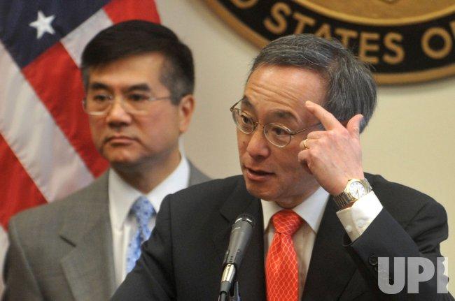 Energy Secretary Steven Chu speaks on green technology in Washington