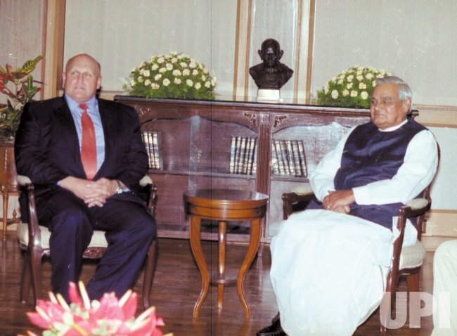 Secretary of State Armitage in India to reduce tensions