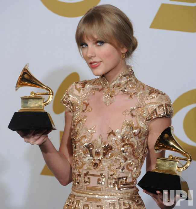 Taylor Swift Wins Two Grammy Awards In Los Angeles Upi Com