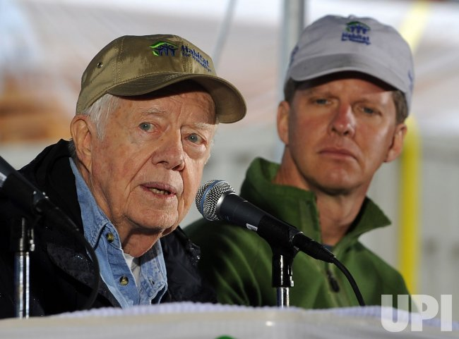Former President Carter works with Habitat for Humanity to build homes in Washington