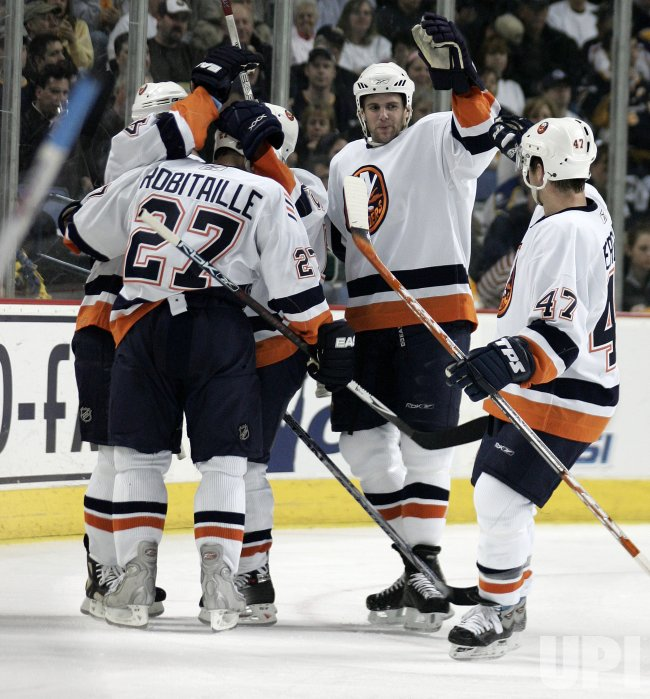NEW YORK ISLANDERS VS BUFFALO SABRES EASTERN CONFERENCE QUARTERFINALS