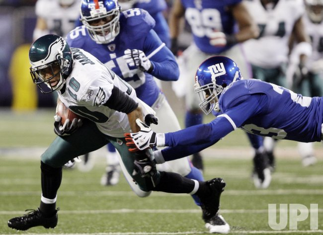 Philadelphia Eagles DeSean Jackson runs after a catch in the second quarter against the New York Giants at Giants Stadium