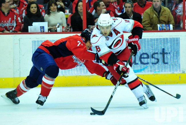 Carolina Hurricanes' Brandon Sutter deeks in Washington