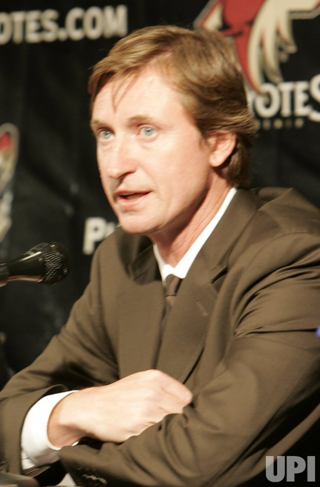 COYOTES ANNOUNCE A NEW CONTRACT FOR GRETZKY