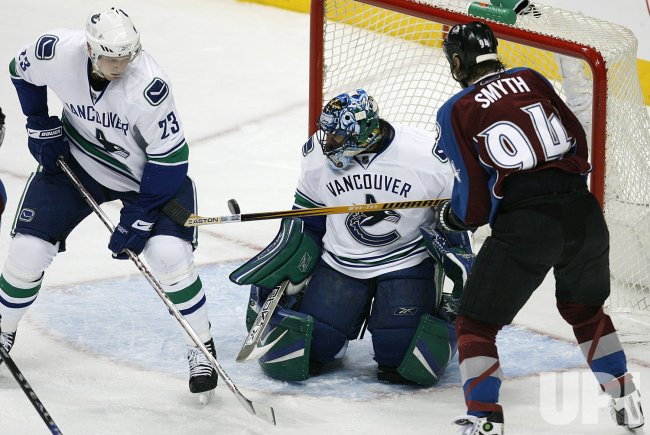 Vancouver Canucks vs Colorado Avalanche