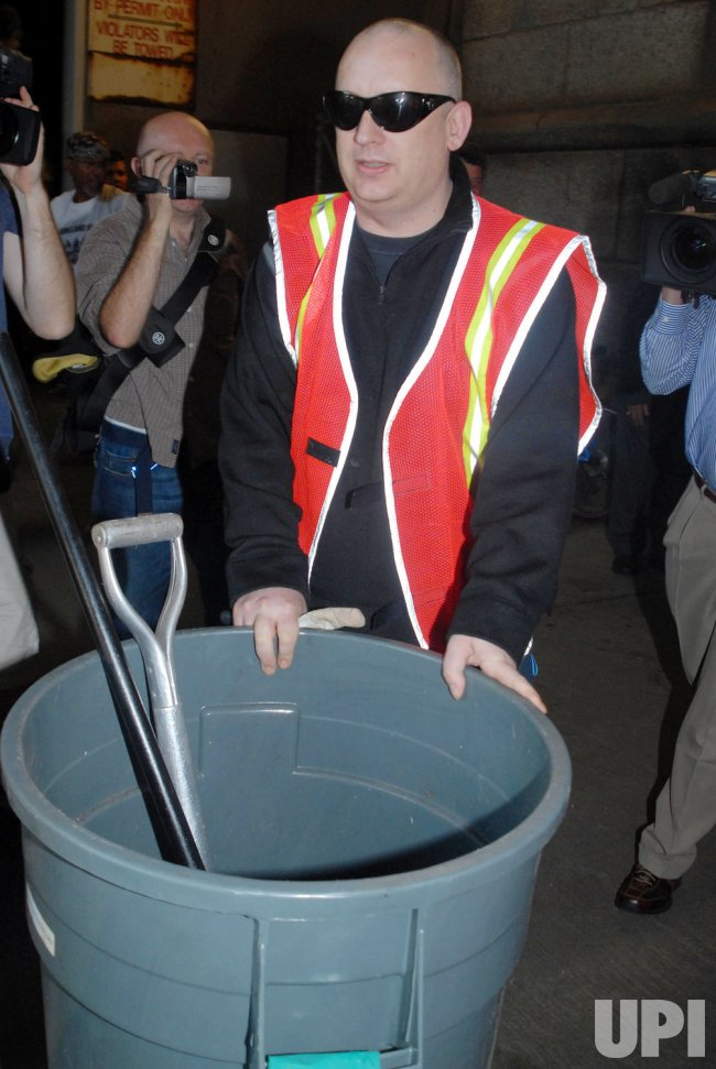 BOY GEORGE DOES COMMUNITY SERVICEV