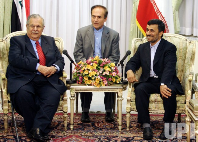 Iran's Ahmadinejad hosts Iraq's Jalal Talibani in Tehran