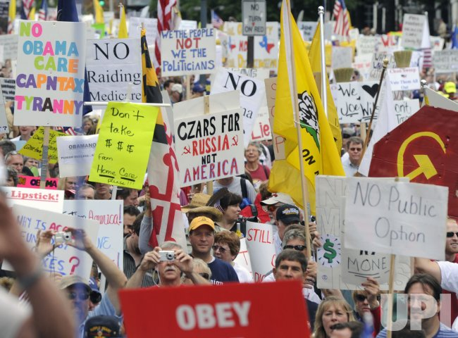 Thousands demonstrate against health care reform legislation in Washington