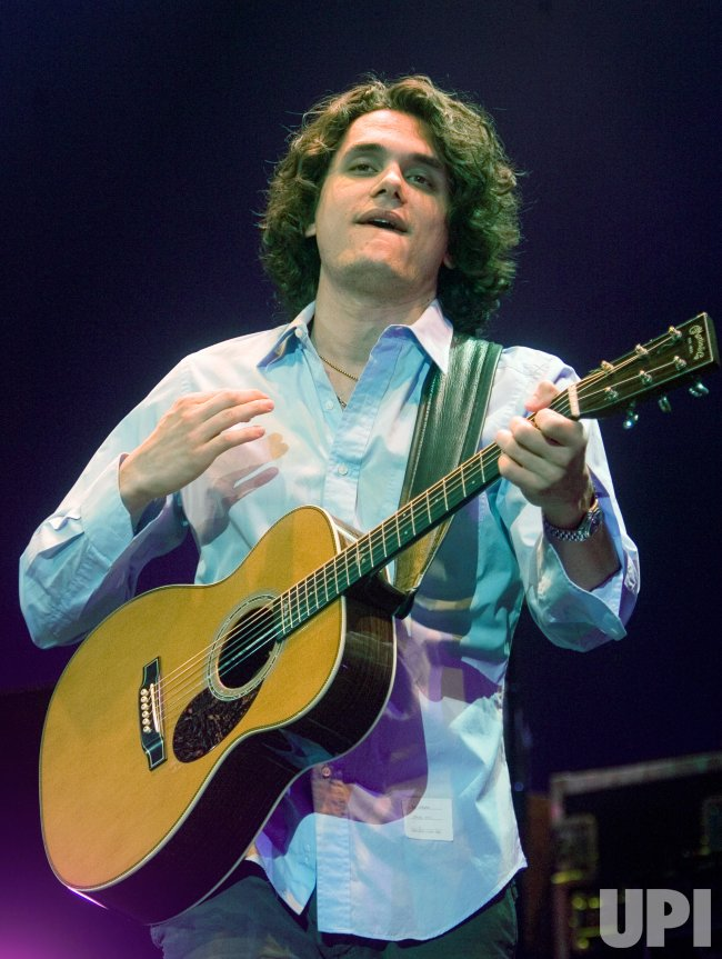 JOHN MAYER PERFORMS AT VANCOUVER'S PACIFIC COLISEUM