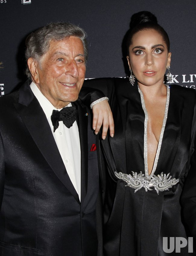 Tony Bennett and Lady Gaga record 'Cheek To Cheek'