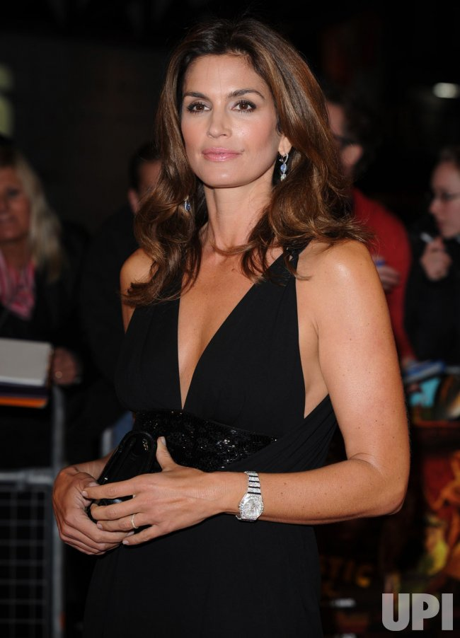 Cindy Crawford attends Fantastic Mr. Fox premiere in London