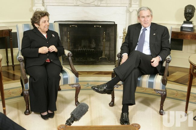 President Bush Meets With Co-Chairs Of The Commission on Care
