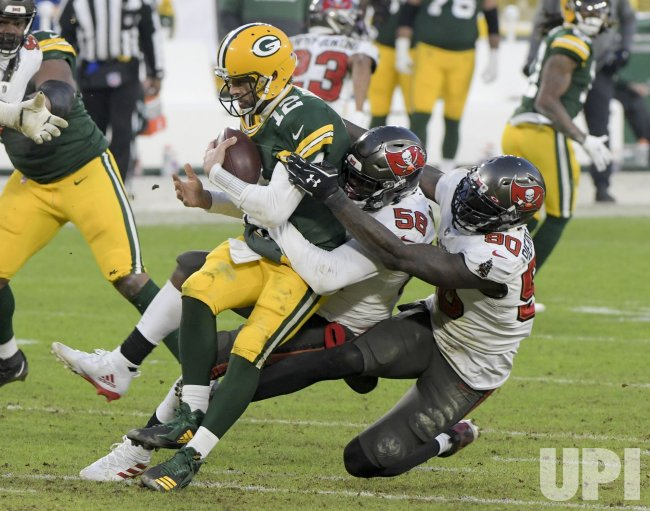 Tampa Bay Buccaneers defeat Green Bay Packers 31-26