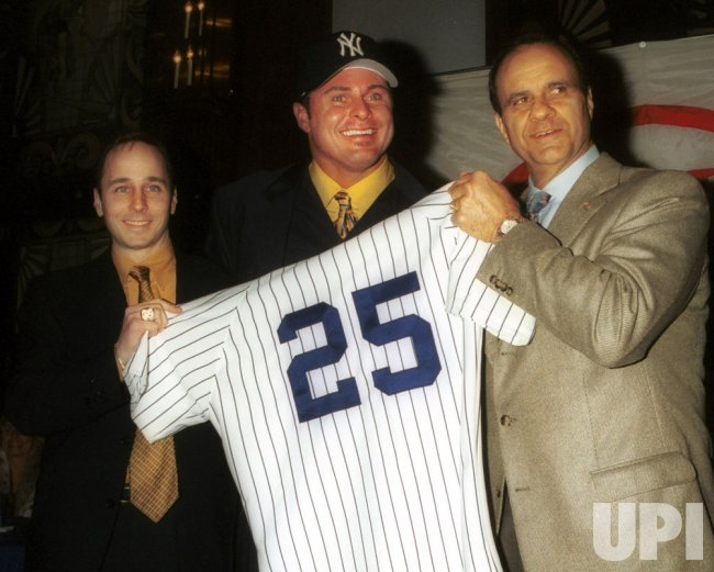 Jason Giambi Joins the New York Yankees