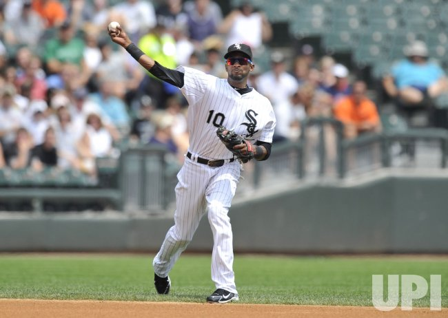 White Sox's Ramirez throws against Tigers in Chicago