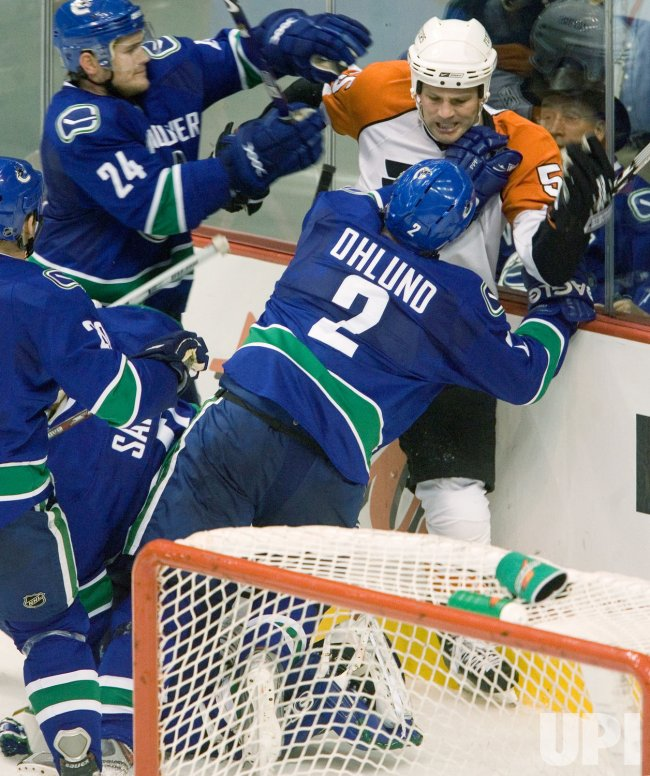 Philadelphia Flyers vs Vancouver Canucks