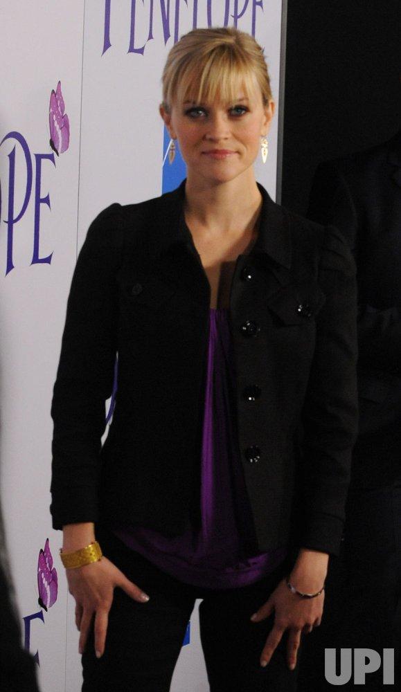 """""""Penelope"""" premieres in Los Angeles"""