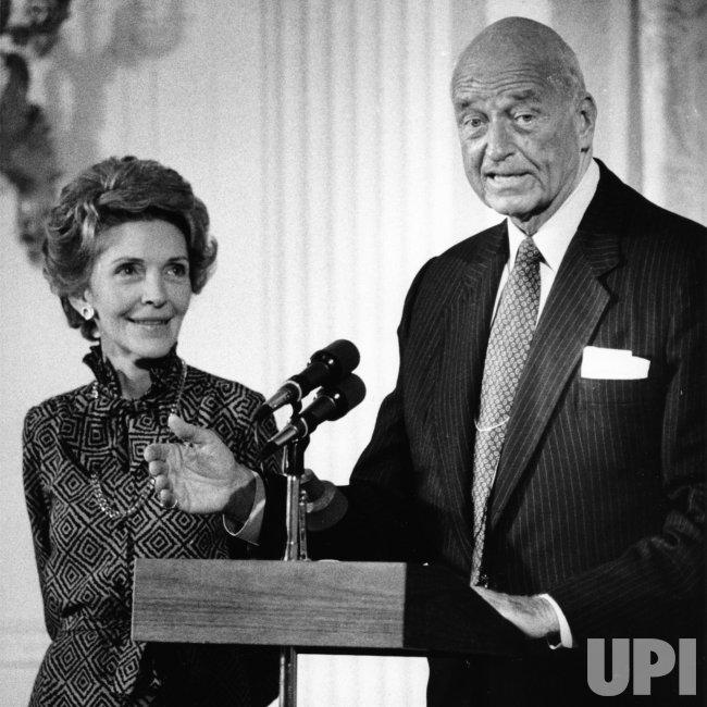Nancy Reagan and James Roosevelt commemorate Eleanor Roosevelt's 100th birthday