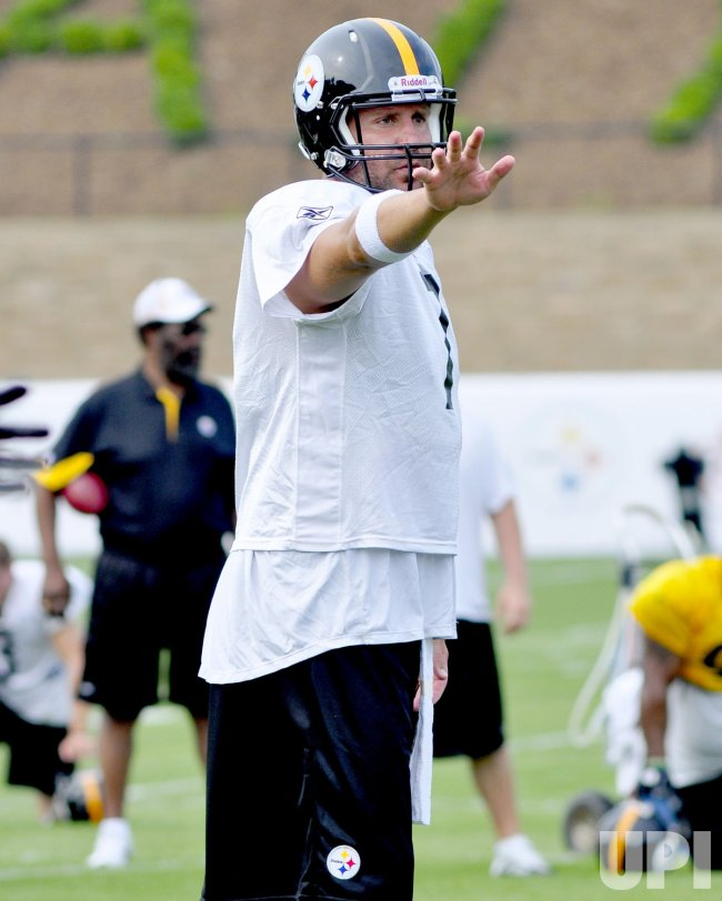 Steelers Ben Roethlisberger at training camp in Labrobe, PA