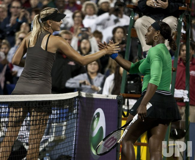 Serena Williams defeats Maria Sharapova in straight sets at Stanford, California