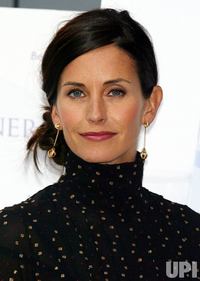 COURTENEY COX ARQUETTE/KINERASE PRESS CONFERENCE