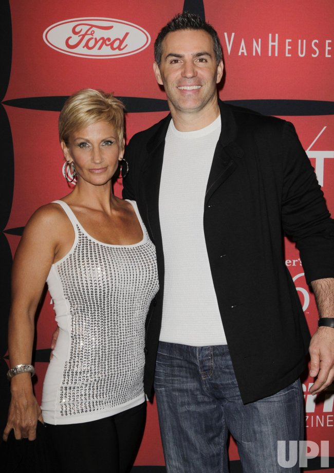 Kurt Warner and wife Brenda arrive on the red carpet at ...
