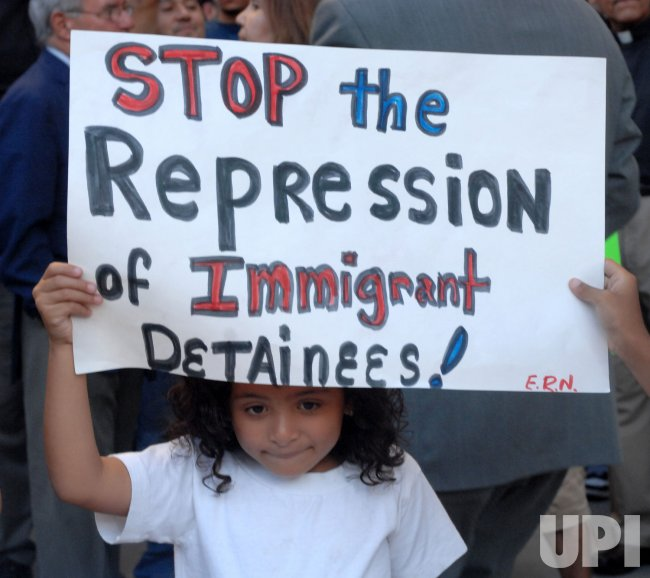 PRO-IMMIGRATION SUPPORTERS PROTEST ELVIRA ARELLANO ARREST AND DEPORTATION IN LOS ANGELES