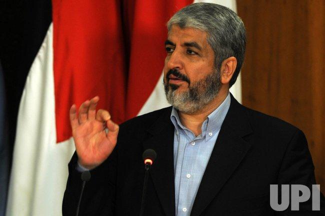 Fatah, Hamas sign reconciliation accord in Cairo
