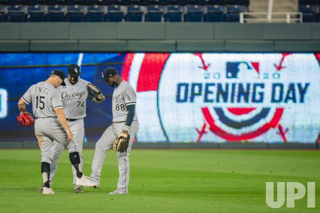 White Sox Adam Engel, Eloy Jimenez and Luis Robert Celebrate the Victory by Clicking Feet