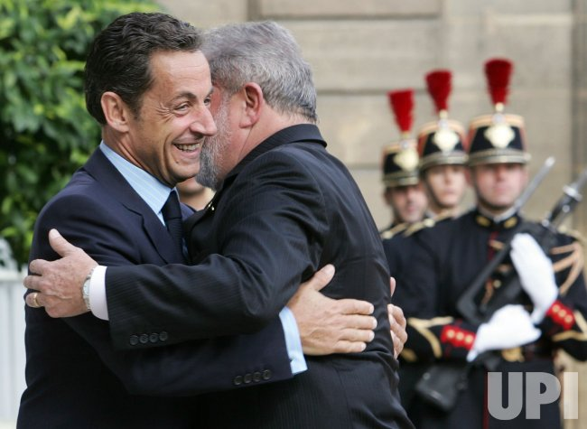 Brailian President meets Sarkozy in Paris