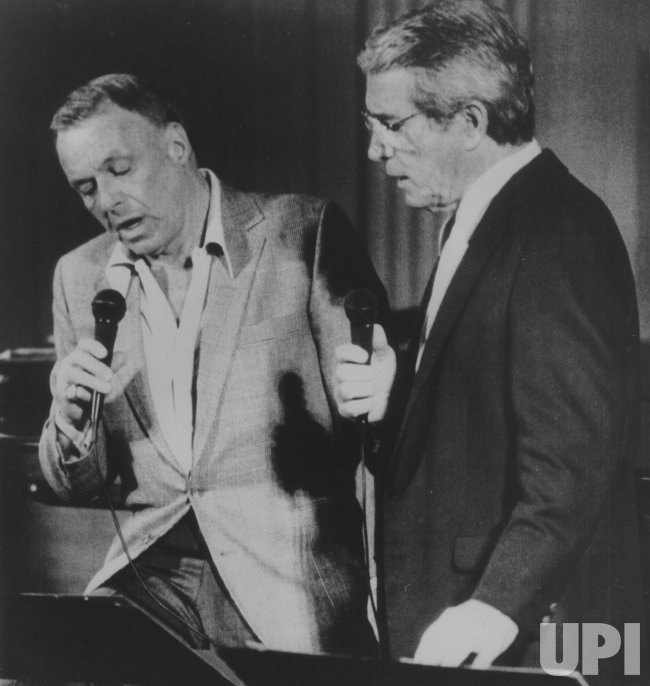 Frank SInatra and Perry Como Reherse