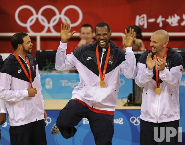 USA wins gold medal in men's basketball in Beijing