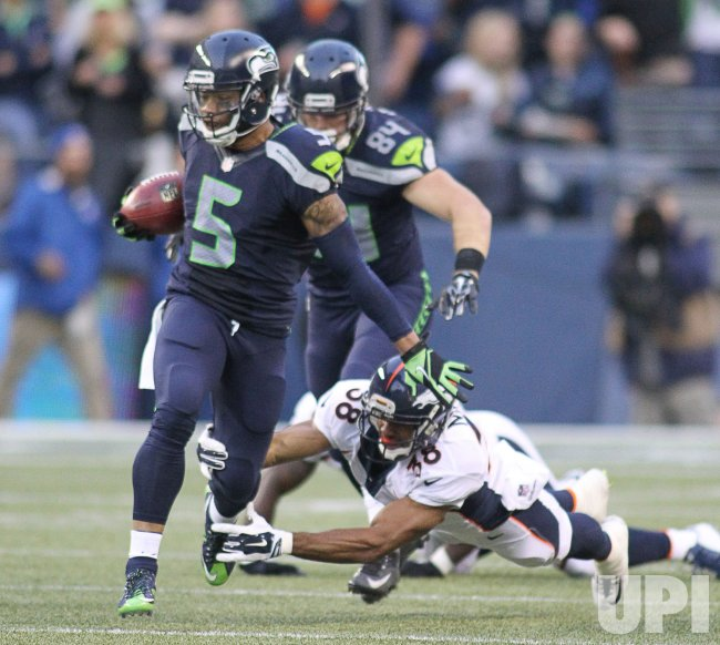 Denver Broncos Beat The Seattle Seahawks 22-20 In Seattle