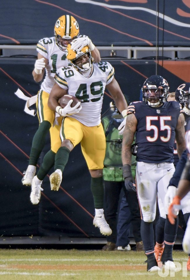 Green Bay Packers vs Chicago Bears in Chicago