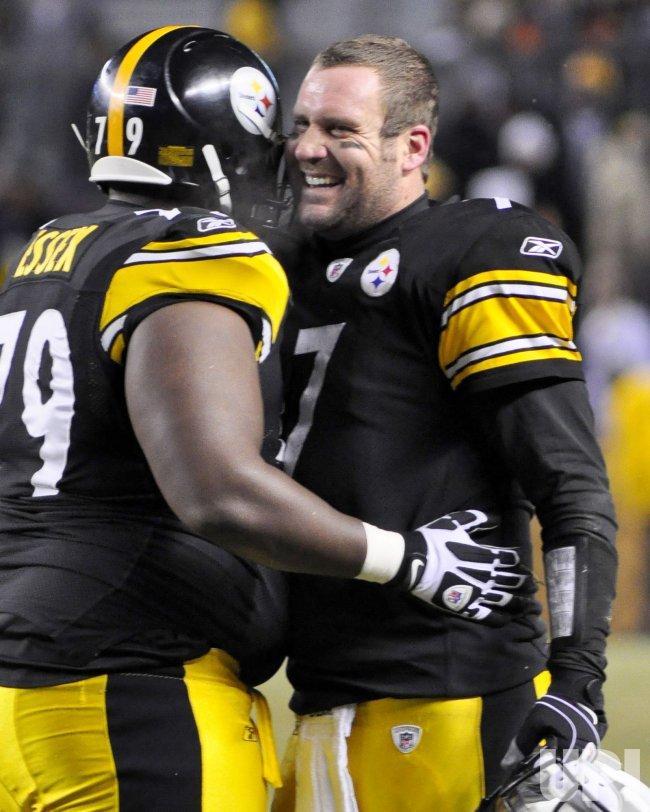 Pittsburgh Steelers Ben Roethlisberger Celebrates TD in Pittsburgh