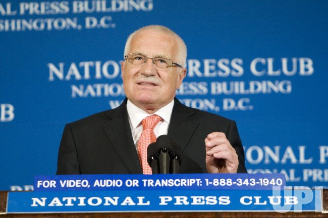 Czech Republic President Vaclav Klaus speaks in Washington