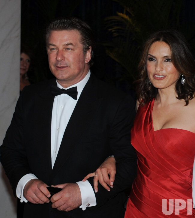 Alec Baldwin and Mariska Hargitay arrive at the White House Correspondents Dinner in Washington