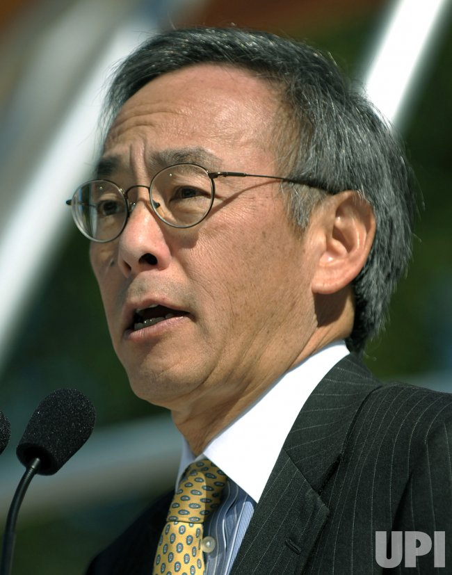 Energy Secretary Chu kicks off Solar Decathlon in Washington