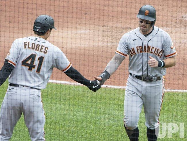 San Francisco Giants Evan Longoria Scores on Wild Pitch