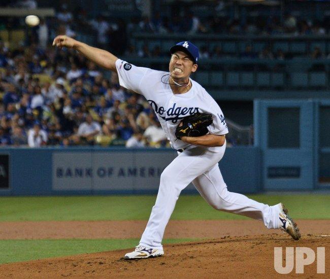 Dodgers' Kike Hernandez hits walk-off single for 3-2 win over Blue Jays in Los Angeles