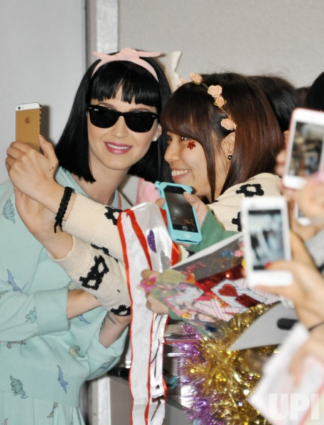 Katy Perry arrives at Japan